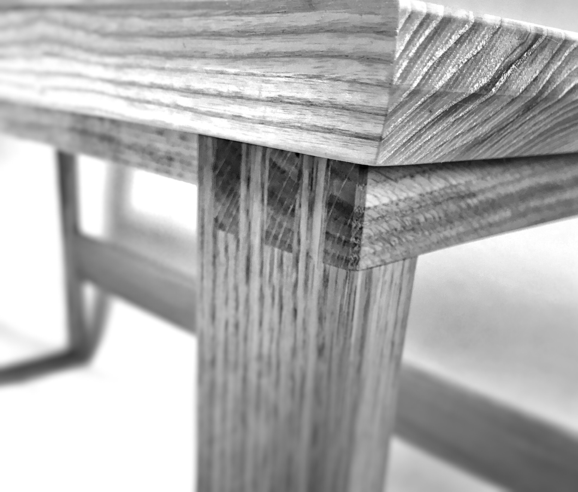 Miller desk joint detail